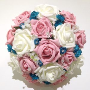 blues pink and white posy