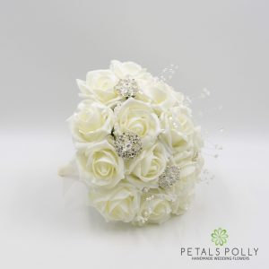 ivory foam bridesmaids posy brooches pearls