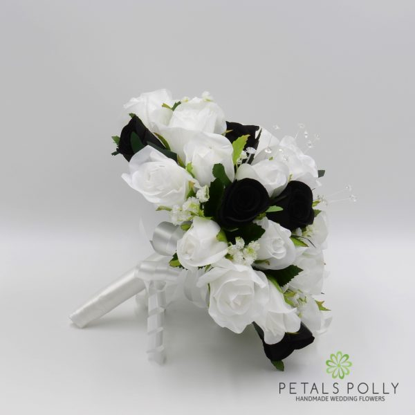 Black & White Rose Brides Posy