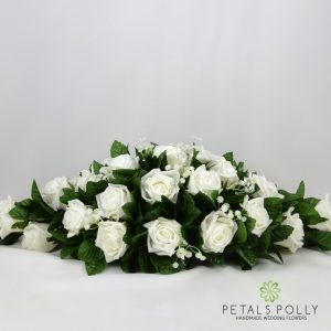 white foam rose top table decoration