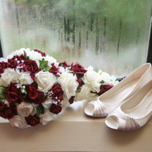 Elaine and Rob Silk wedding flowers
