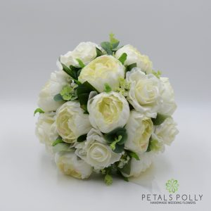 ivory brides bouquet