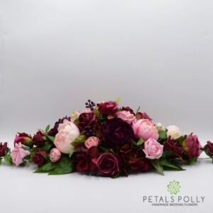 burgundy plum pink top table decoration